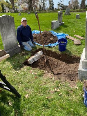Cradle grave volunteer in Mount Hope Cemetery.