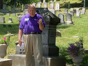 Tour Guide and Pop-Up Historian Dennis Carr