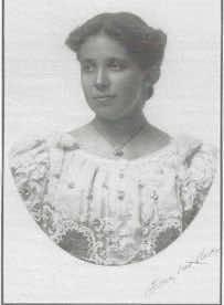 portrait photo of Harriet Bentley